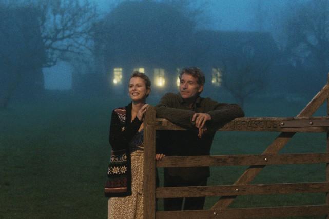 Week-endsmet en scène deux couples d'amis, banals dans... (Photo fournie par AXIA Films)