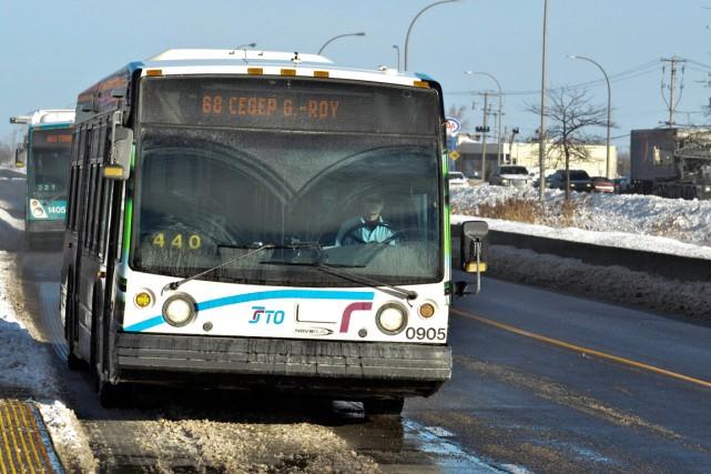Le chauffeur de la Société de transport de l'Outaouais (STO) qui a arrosé une... (Archives, LeDroit)