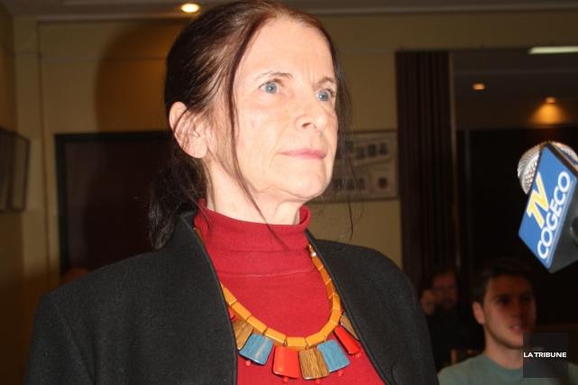 Étiennette Thériault, porte-parole d'un groupe de citoyens opposés... (La Tribune, Jean-François Gagnon)