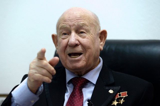 Alexeï Leonov... (PHOTO VASILY MAXIMOV, AFP)