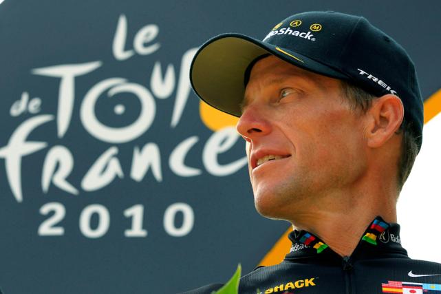 Lance Armstronga été invité à parcourir les routes... (Photo Bas Czerwinski, archives AP)