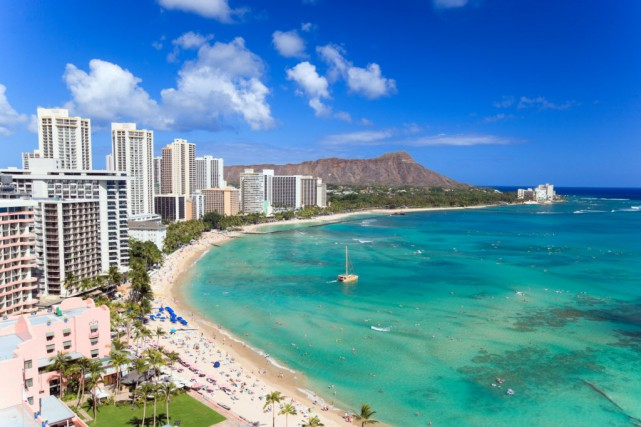 La plage de Waikiki à Honolulu, Hawaii... (Photo Digital/Thinkstock)