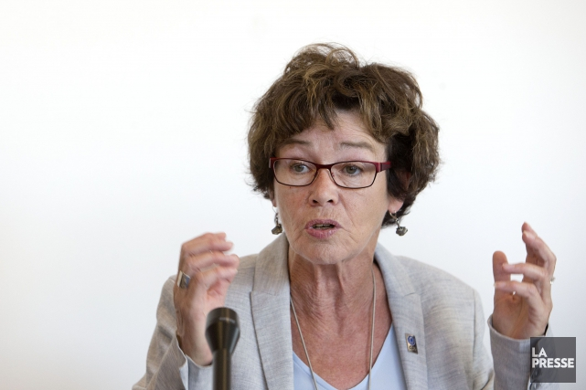 La présidente de la CSQ, Louise Chabot... (PHOTO ROBERT SKINNER, ARCHIVES LA PRESSE)