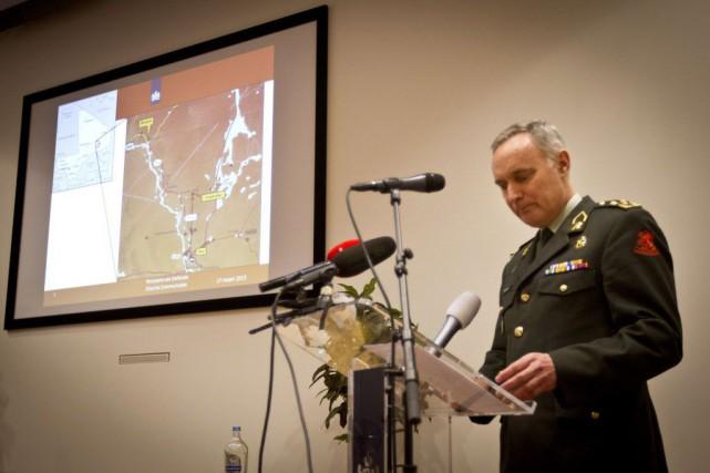 À La Haye, le chef d'état-major de l'armée... (PHOTO ANP, EVERT-JAN DANIELS, AFP)