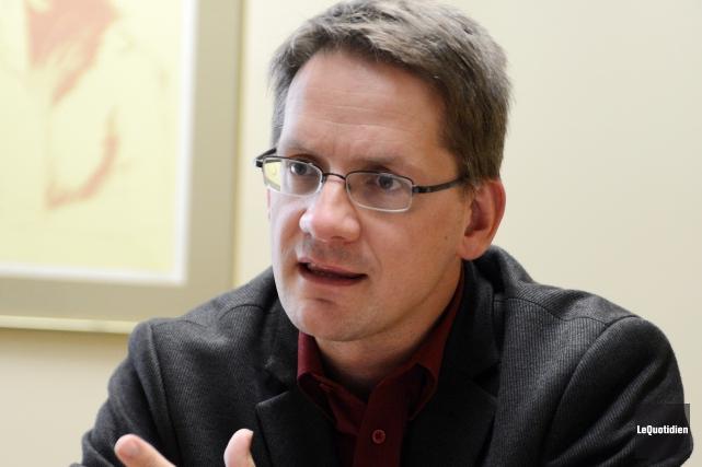 Le député de Jonquière, Sylvain Gaudreault, donne son... ((Archives Le Quotidien))