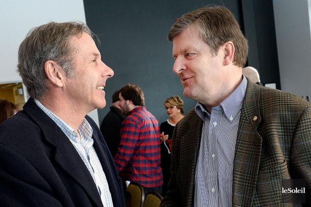 L'ancien fondeur olympique Pierre Harvey et l'ex-joueur des... (Photo le Soleil, Jean-Marie Villeneuve)