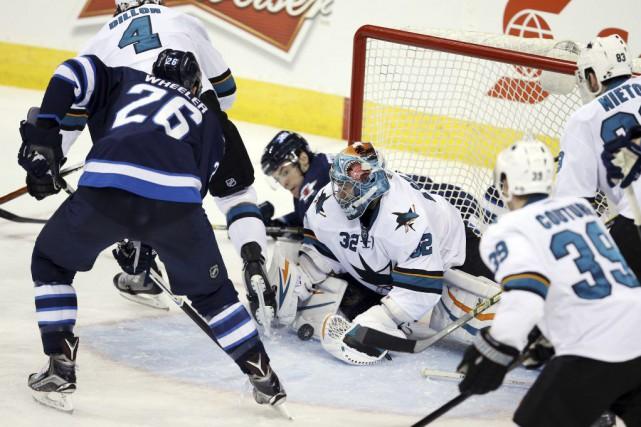 Blake Wheeler a marqué deux buts et ajouté une passe, et les Jets de Winnipeg... (Photo: Reuters)