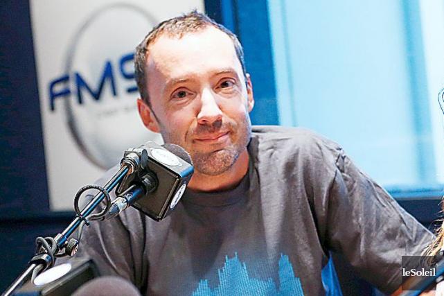 Le FM93 ainsi que son animateur du matin... (Photothèque Le Soleil, Yan Doublet)