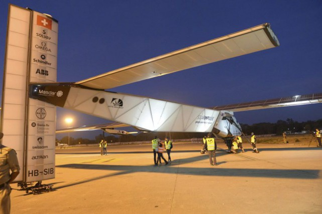 L'avion a atterri mardi à Ahmedabad et devait... (PHOTO SAM PANTHAKY, AGENCE FRANCE-PRESSE)