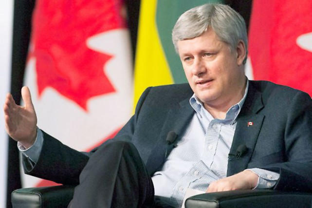 Le premier ministre Stephen Harper encourage la possession... (La Presse Canadienne)
