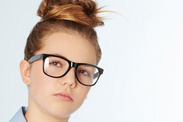 596ae8f57a5411 Beautés à lunettes   MARTINE LETARTE   Mode