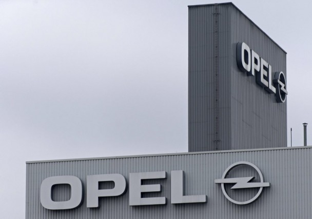 Le géant américain General Motors (GM) est devenu mercredi le... (PHOTO ROBERT MICHAEL, AFP)