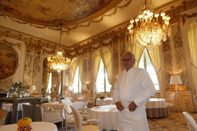Le chef Alain Ducasse, qui participera à grand... (Photo Charles Platiau, Reuters)