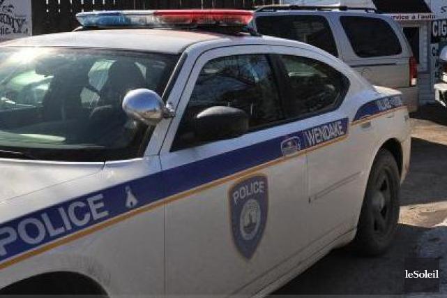 Les policiers du village huron ont décidé d'établir... (Photothèque Le Soleil, Patrice Laroche)