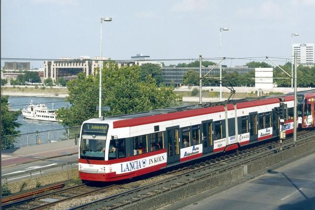 Des véhicules légers sur rail Flexity sont déjà... (Photo fournie par Bombardier)