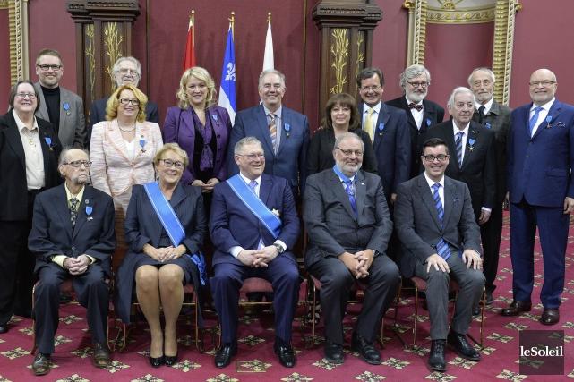 La députée Sylvie Roy (à droite sur la... (Photo Le Soleil)