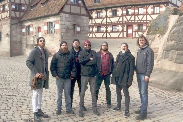La formation Bodh'aktan offre un amalgame de punk...
