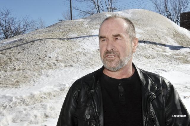 Daniel Perron, du Club de motoneigistes du Lac-Saint-Jean,... ((Photo Le Quotidien, Rocket Lavoie))
