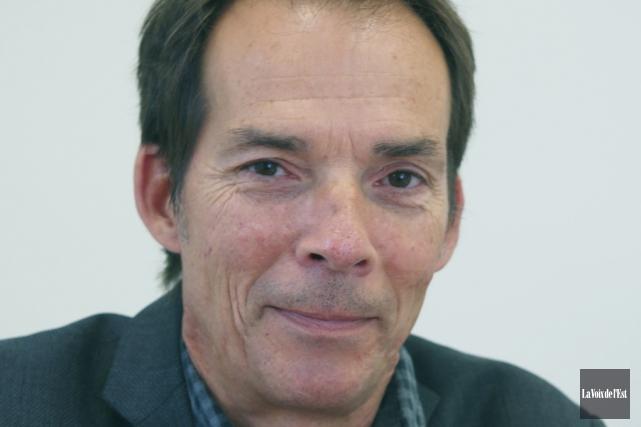 Denis Beauchamp, directeur du service de développement économique... (photo Alain Dion, archives La Voix de l'Est)
