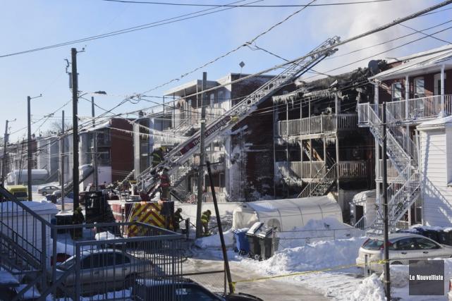 Un incendie a lourdement endommagé un immeuble de... (Photo: François Gervais, Le Nouvelliste)