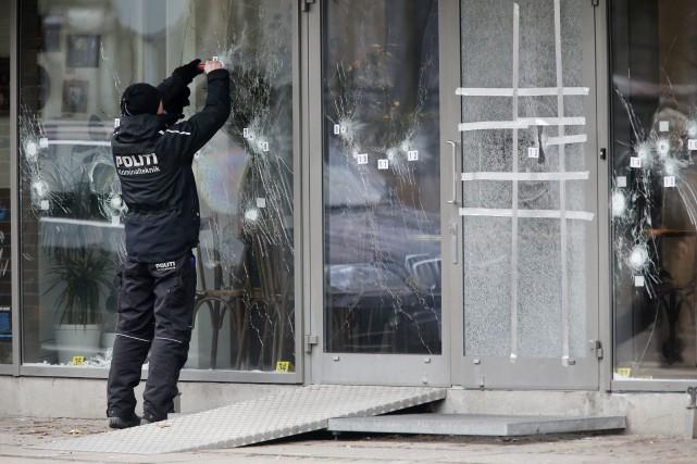 Le 14 février, lourdement armé, El-Hussein avait ouvert... (Photo Michael Probst, AP)