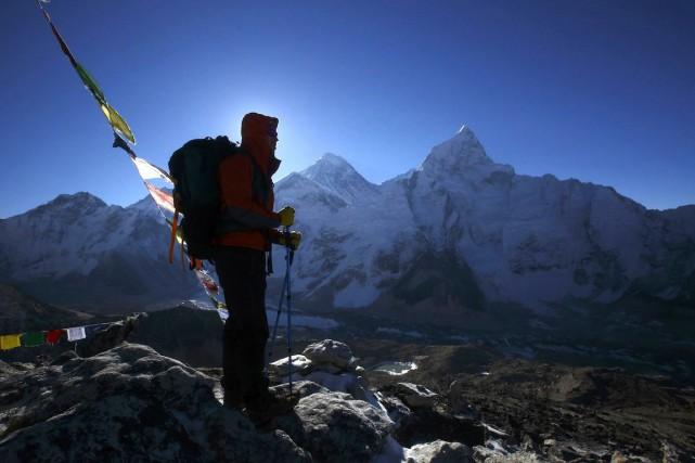 L'alpinisme est une source essentielle de revenus pour... (Photo Navesh Chitrakar, Archives Reuters)