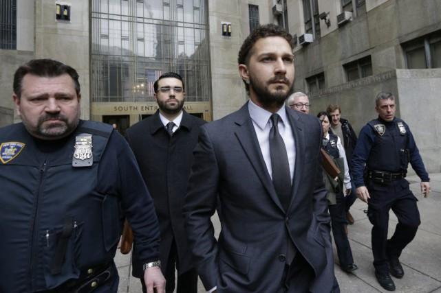 Shia LaBeouf après sa brève apparition en cour.... (Photo: AP)