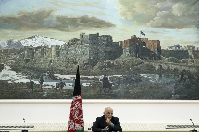 Ashraf Ghani a reconnu samedi la menace du groupe... (Photo Massoud Hossaini, AP)
