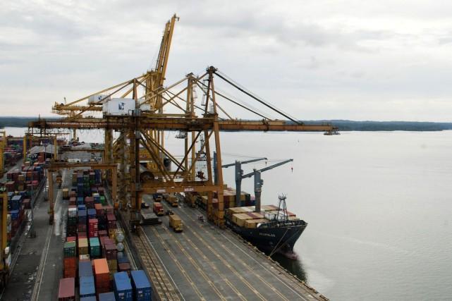 Le navire transportant de la cocaïne a été... (PHOTO LUIS ROBAYO, ARCHIVES AFP)