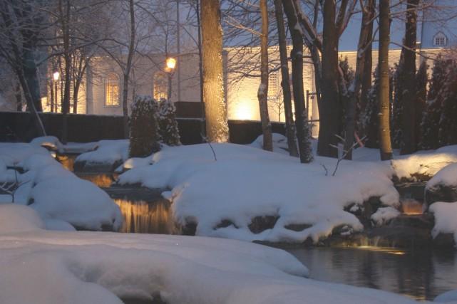 Tableau d'hiver. Le designer paysagiste Claude Genest joue... (Photo fournie par Paysages Genest)