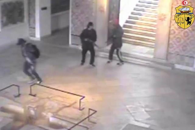 Capture d'écran de la vidéo diffusée par le... (PHOTO FOURNIE PAR LE MINISTÈRE INTÉRIEUR DE LA TUNISIE)