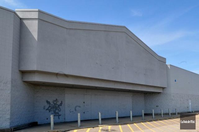 Le Walmart de Jonquière a fermé en 2005.... (PHOTO ARCHIVES LA VOIX DE L'EST)