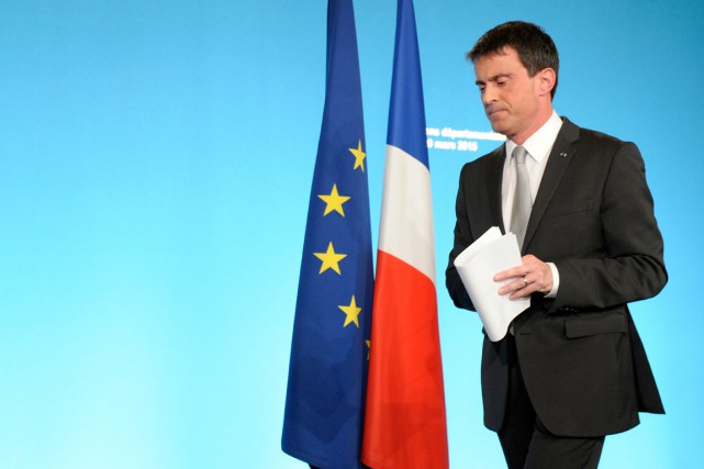 Manuel Valls a appelé lundi au «rassemblement de... (PHOTO ALAIN JOCARD, AFP)