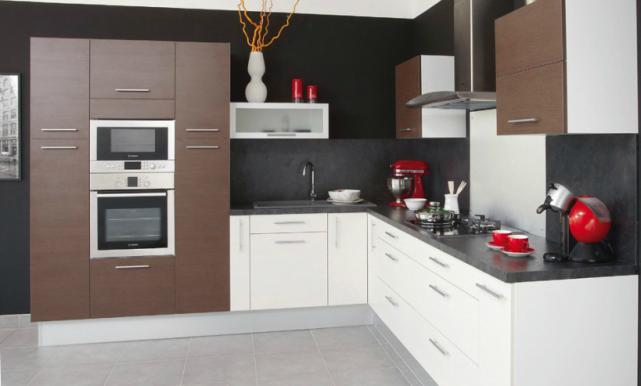 Votre cuisine est restée figée dans le temps et arbore les mêmes armoires de...