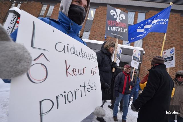 Des dizaines de milliers d'étudiants ont débrayé lundi au Québec dans le cadre... (Photo Le Soleil)