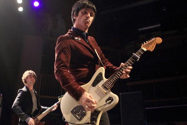 Le guitaristeJohnny Marr et Morrissey ont lancé les... (PHOTO OWEN SWEENEY, ARCHIVES AP)