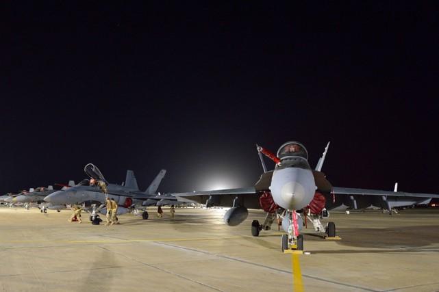 Le Canada a notammentdéployé six avions de chasse... (PHOTO REUTERS)