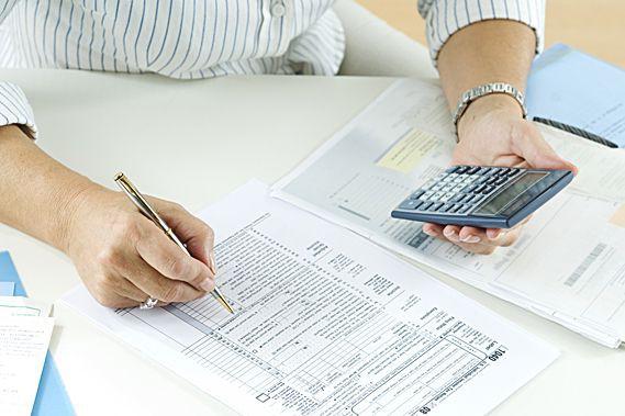 C'est le temps des rapports d'impôts; qu'évoque compléter votre déclaration de...
