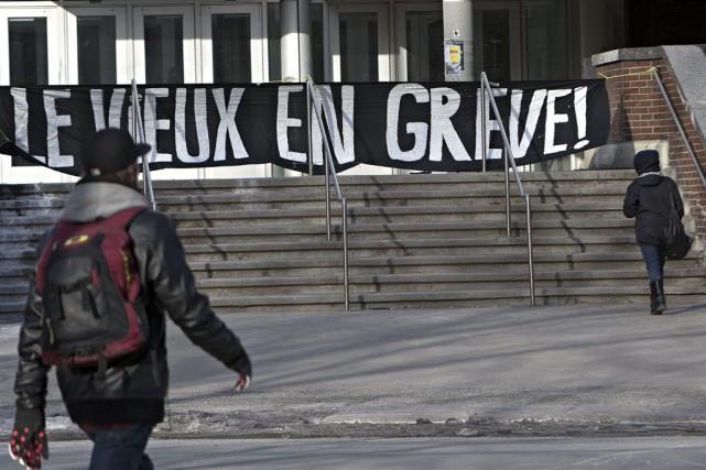 Quels parallèles y a-t-il entre les manifestations du printemps érable de 2012... (La Presse)