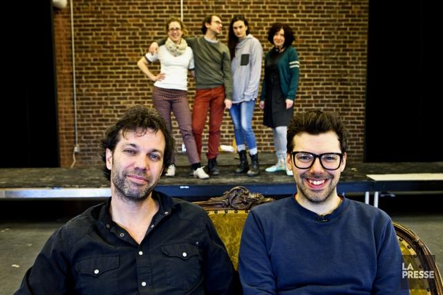 Le metteur en scène Jean-Guy Legault (à gauche)... (Photo Patrick Sanfaçon, La Presse)