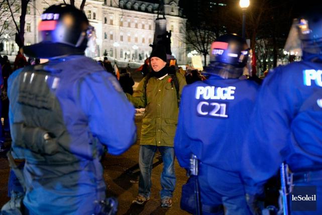 Mardi soir, 274 personnes ont été arrêtées. Même... (Le Soleil, Erick Labbé)