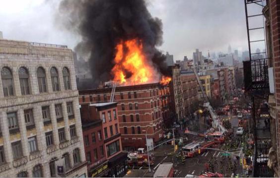 Au moins douze personnes ont été blessées, dont quatre grièvement, jeudi après... (Photo tirée de Twitter)