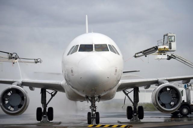 «Sans être foncièrement malhonnêtes, les personnels de l'aviation... (PHOTO MARTIN BUREAU, ARCHIVES AFP)