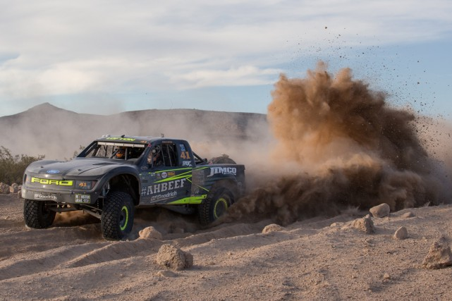 Justin Lofton, grand vainqueur du Mint 400 en 2015.... (PHOTO FOURNIE PAR THE MINT)