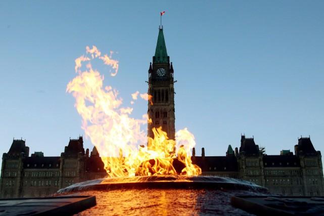 Le gouvernement Harper compte ajouter une nouvelle clause... (Photo La Presse Canadienne)