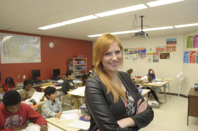 Lisa-Marie Lamothe enseigne à l'école secondaire des Pionniers.... (PHOTO: SYLVAIN MAYER)