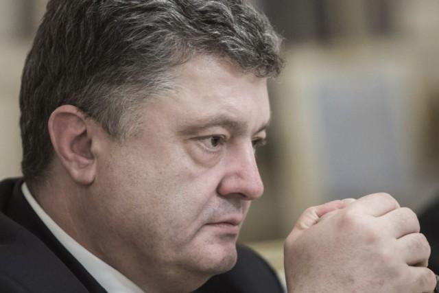 Le président ukrainien Petro Porochenko... (Photo Mykhailo Markiv, AP)