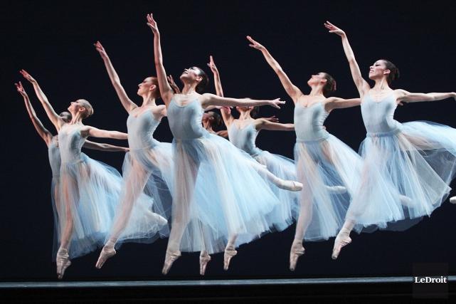 Le Ballet national du Canada à l'oeuvre.... (Etienne Ranger, Archives LeDroit)