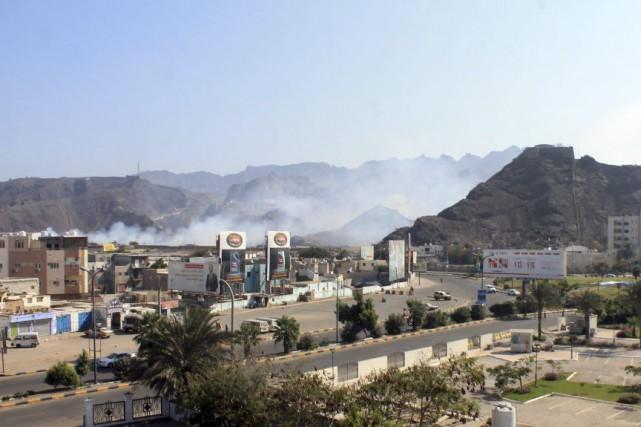 La ville d'Aden a tremblé tout l'après-midi à... (PHOTO SALEH AL-OBEIDI, AFP)