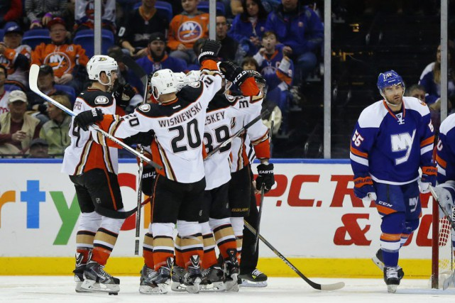 Les Ducks dominent la Ligue nationale avec 103 points.... (PHOTO BERESWILL, AP)